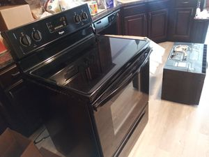Whirlpool smooth top stove and microwave for Sale in Nashville, TN