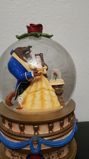 Beauty and the Beast Snow globe for Sale in Tampa, FL