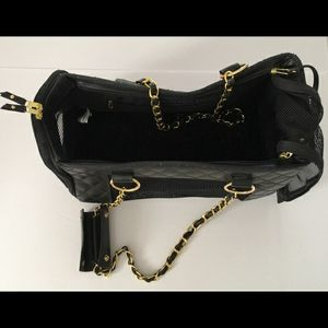 BOOTS & BARLEY pet carrier for Sale in Colorado Springs, CO