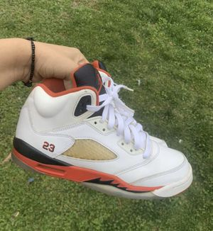 Jordan Fire red 5's black tongue size 7y 2013 for Sale in Brentwood, MD