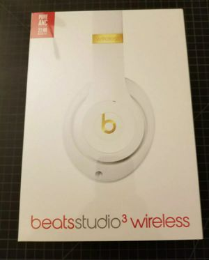 Sealed Beats Studio 3 Wireless Headphones White for Sale in Clovis, CA