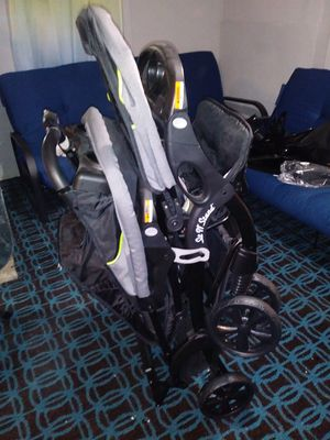 Sit and stand double stroller for Sale in Ludlow, MA