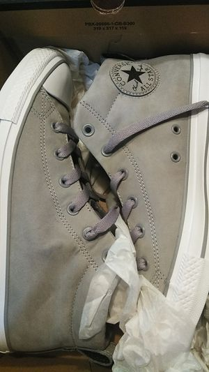 Men's Converse Size 9 New in box never worn for Sale in Manor, TX