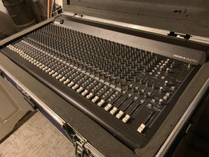 (Reserved for the moment) Mackie SR32.4 VLZ Pro 32-Channel Mixer for Sale in Fort Washington, MD
