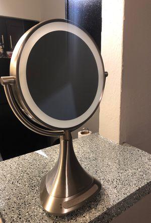 iHome Vanity Mirror for Sale in Arlington, TX