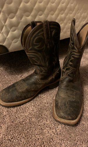 Ariat work boots for Sale in Downers Grove, IL