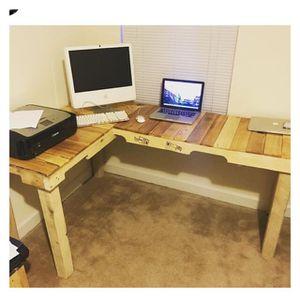 Pallet desk for Sale in Atlanta, GA