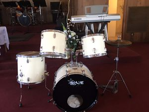Drum set complete w others PCWas used in Church group and handled w care for Sale in Tampa, FL