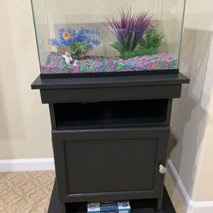 Aquarium Tank With Stand for Sale in Discovery Bay, CA