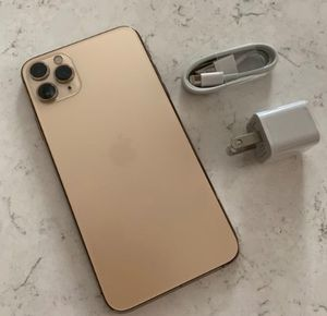 iPhone 11 pro Max for Sale in Zionsville, IN