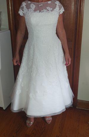 Oleg Cassini Wedding dress for Sale in Elmwood Park, NJ