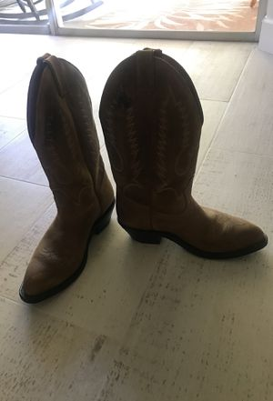 Cowboy boot size 8 for Sale in Tampa, FL