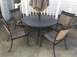 Outdoor patio dining set for Sale in Wheaton, MD