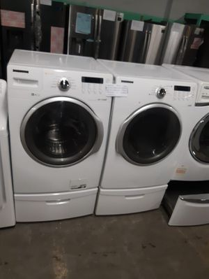 SAMSUNG FRONT LOAD WASHER AND DRYER SET WORKING PERFECTLY 4 MONTHS WARRANTY DELIVERY AVAILABLE for Sale in Baltimore, MD
