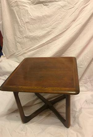 Lane Altavista side table for Sale in St. Louis, MO