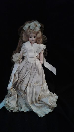 An antique doll for Sale in Mechanicsburg, PA