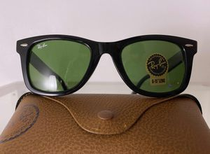 Brand New Authentic RayBan Wayfarer Sunglasses for Sale in West Palm Beach, FL
