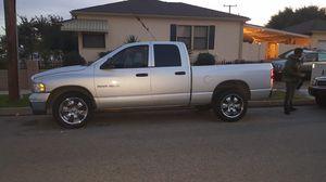 2004 Dodge Truck 1500 xlt 4 door crew truck for Sale in Lakewood, CA