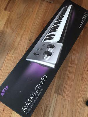 M-Audio Avid KeyStudio Keyboard 49keys for Sale in Chicago, IL