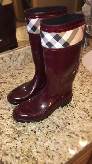 Burberry boots for Sale in Laveen Village, AZ