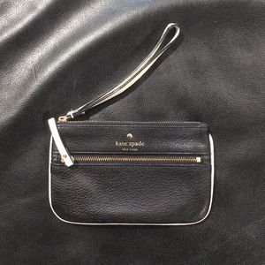 Kate Spade Wristlet for Sale in Centereach, NY