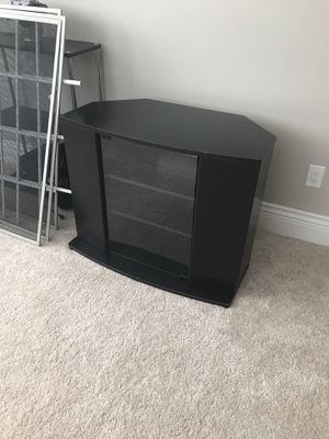 TV stand with magnetic closing compartments for Sale in East Amherst, NY