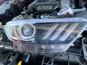 2015 Mustang headlight for Sale in Novato, CA