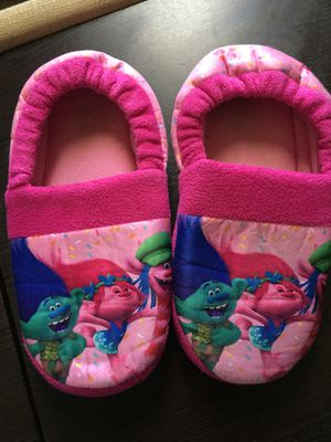 Trolls Slippers Size L 2/3 for Sale in Las Vegas, NV