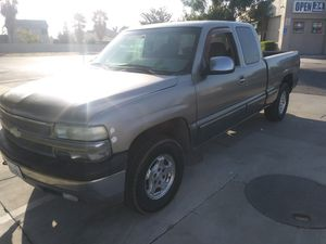 2000 chevy Silverado 4x4 ext cab for Sale in Fresno, CA