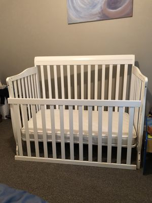 Convertible baby crib for Sale in Hyattsville, MD