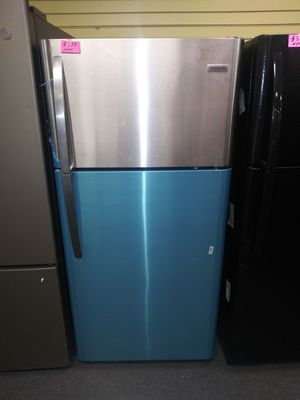 """Frigidaire 30""""wide new open box top and bottom stainless steel refrigerator 6months warranty for Sale in McDonogh, MD"""
