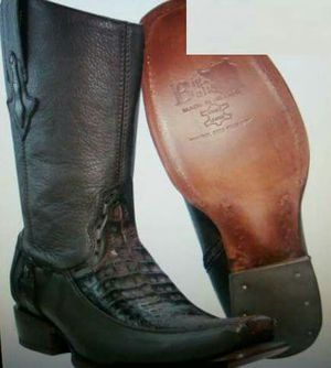 Boots Big bull color dark brown size 9 for Sale in Austin, TX