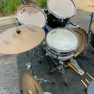 Drum Set. Used But In Good Condition for Sale in Garden Grove, CA