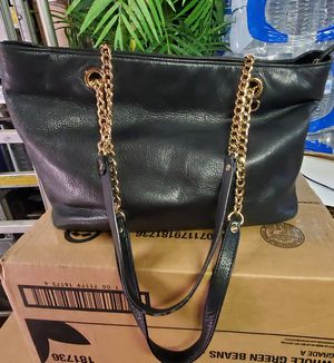 MICHAEL KORS MK Black Leather Gold Chain Tote for Sale in Brockton, MA