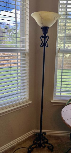 Floor Lamp for Sale in Pflugerville, TX