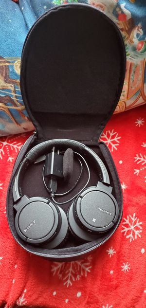 MDR-ZX770BN Wireless Noise-Canceling for Sale in Redwood City, CA