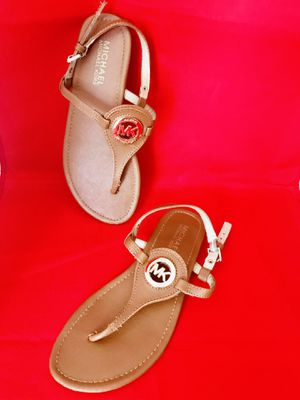 Michael Kors Tan Cognac Leather T-strap Gold Accent Thong Flat Sandals size 6.5 for Sale in Pembroke Pines, FL