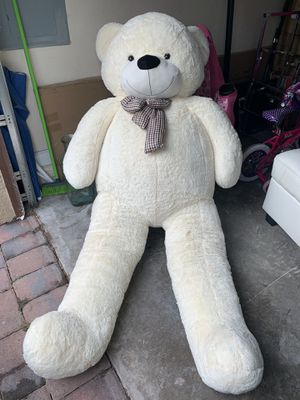 GIANT TEDDY BEAR. for Sale in Princeton, FL