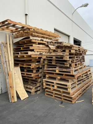 Free wood / pallets for Sale in Commerce, CA