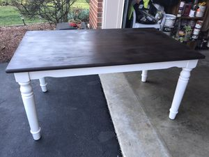 Dining Table and Chairs for Sale in Woodbridge, VA