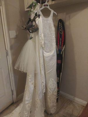 New complete. Silk Wedding dress size 10 Vail tail heels silk gloves 👑 for Sale in San Bernardino, CA
