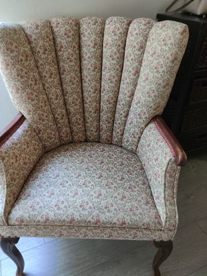 Vintage antique chair for Sale in West Covina, CA