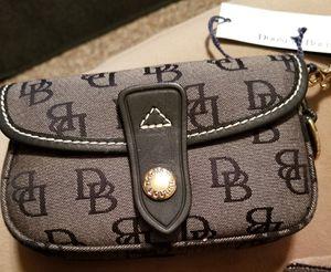 Dooney and Burke purse for Sale in Manassas, VA