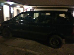 Chevrolet venture minivan for Sale in Clarksville, TN