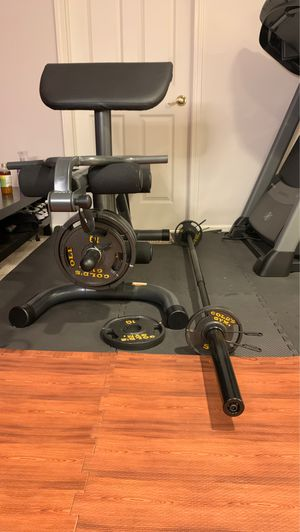 Golds Gym XRS20 with Bar and Weights for Sale in Prairie View, IL
