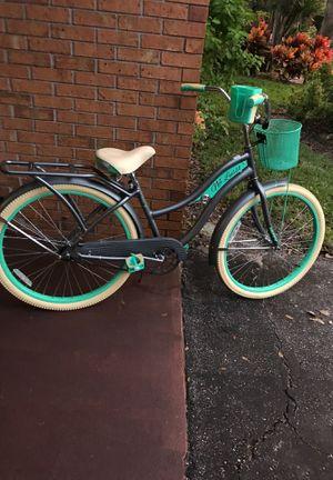 """Women's bike huffy cruiser 26"""" for Sale in Bradenton, FL"""