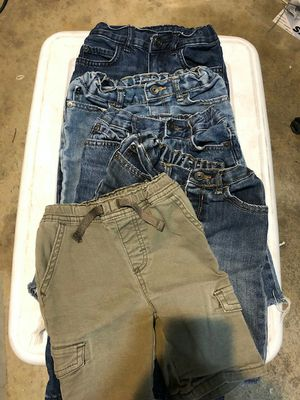 Boys 5T shorts and jeans as pictured lot of 5 pieces used good condition for Sale in Perris, CA