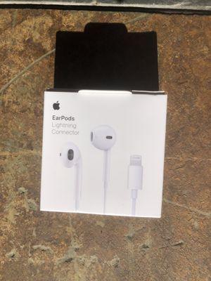 White Apple EarPod Headphones W/Lightning Connector for Sale in Montclair, VA