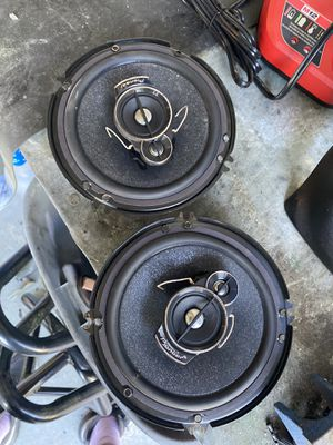 Pioneer speakers & NA radiator for Sale in Los Angeles, CA