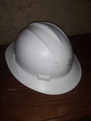 Aspen Full Brim Work Hard Hat, 4 Point Ratchet for Sale in Wichita, KS
